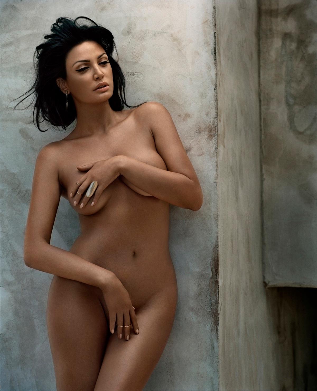 http://celebnudo.files.wordpress.com/2014/01/bleona-qereti-nudo.jpg?w=1200